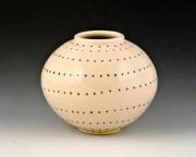 Medium-dotted-vase-2