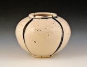 Small-quartered-vase-e