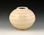 Medium-dotted-vase-2