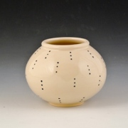 Small-dotted-vase-4