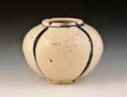 Small-quartered-vase-e