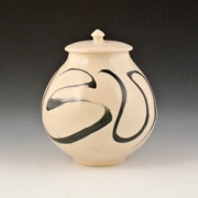 Swirl-canister